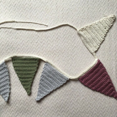 triangle bunting by Moloneymakes