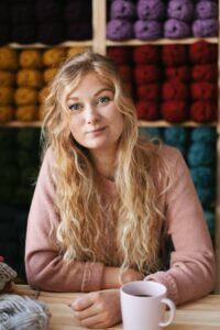 Sophie Moloney Owner and Founder of Moloneymakes Super Chunky Knitting Kits and Knitting Patterns