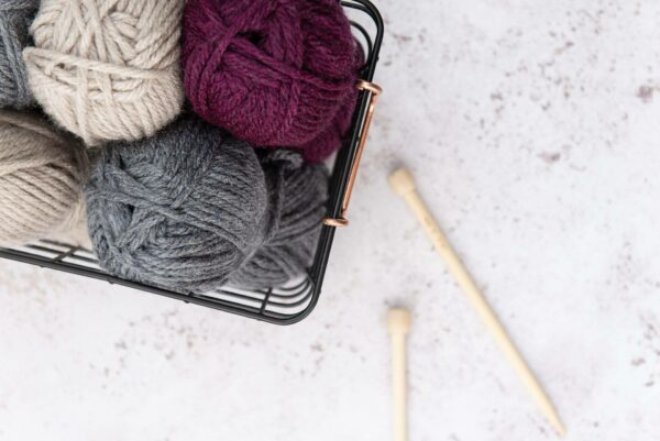 Super Chunky Vegan Yarn Bundle in Graphite, Redcurrant and Oatmeal with 10mm Bamboo Knitting Needles