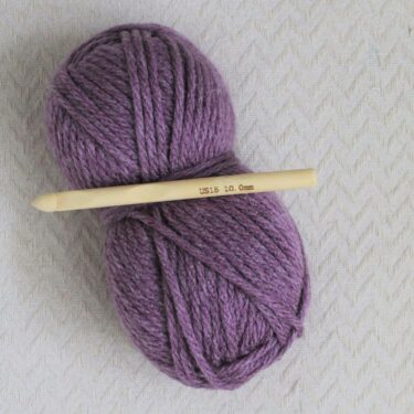 10mm crochet hook and super chunky yarn